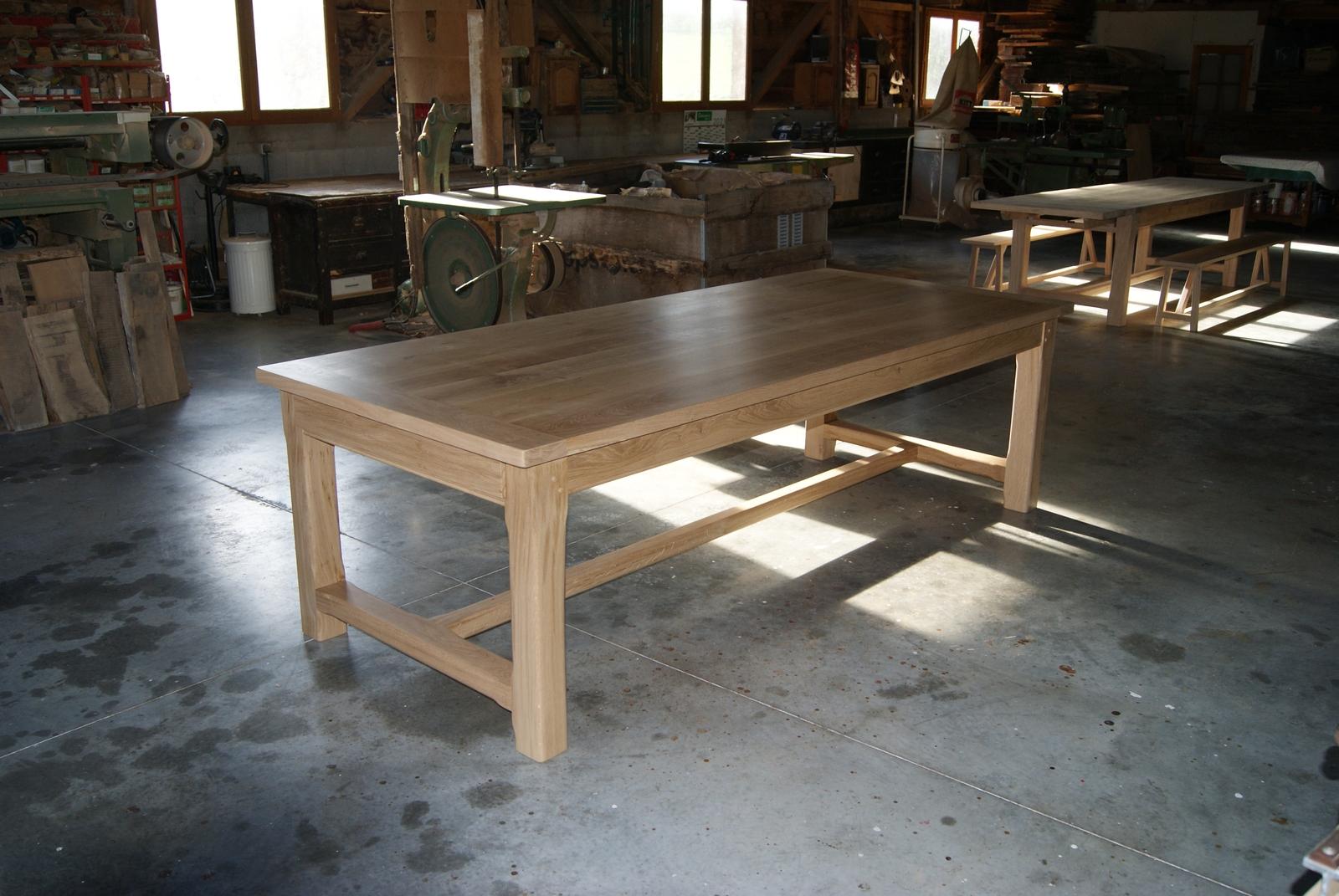Menuiserie vivian cancel tables en ch ne massif for Table en chene avec rallonge